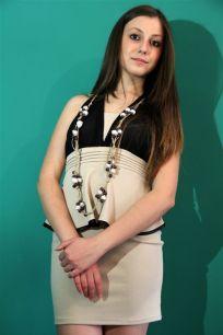 Rossella Palermo indossa Siria Eco Design_collana Etnica in spago e cartapesta